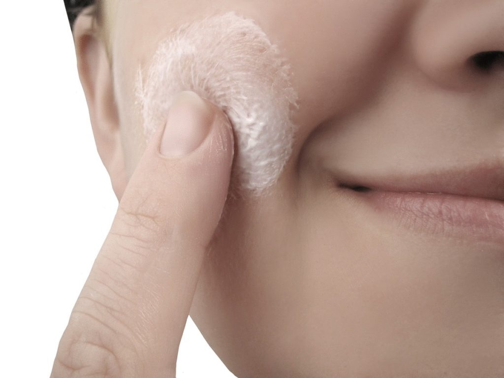 Как убрать жирный блеск с лица.