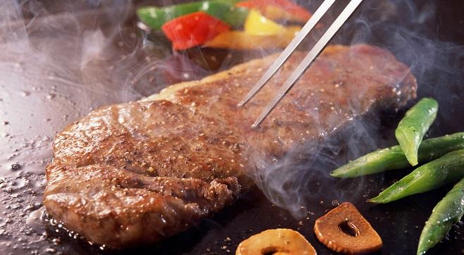 Качественная термическая обработка мяса перед употреблением предотвращает заражение бычьим цепнем
