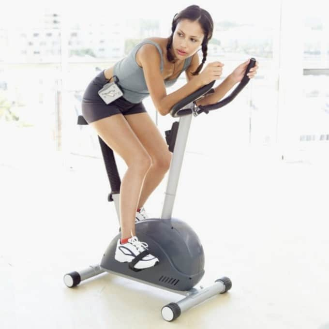 health-fitness-2013-02-gym-germs-main
