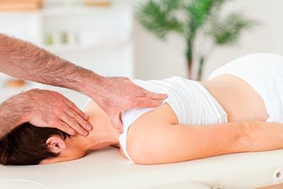 Как правильно делать массаж при грыже позвоночника