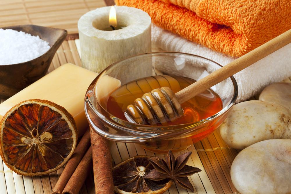 Маска из корицы и меда для активного роста волос