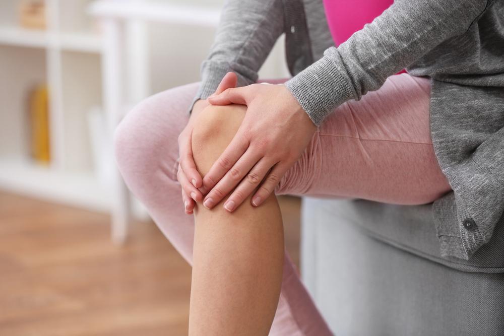 Почему хрустят суставы и что с этим делать?