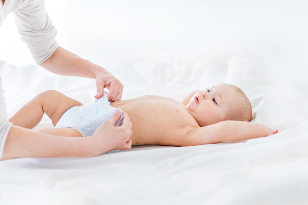 Подгузники для новорожденных: как выбрать лучшие для своего малыша?