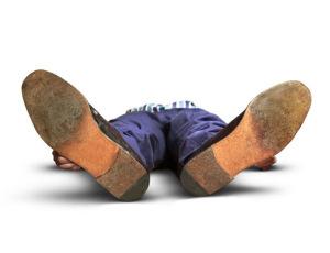 Потеря сознания или глубокая кома - основные симптомы перелома