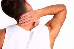 Вывих шеи сопровождается рядом симптомов