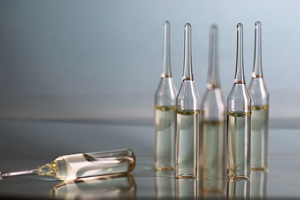 Гиалуроновая кислота для лица: как применять в домашних условиях и какие процедуры сделать в салоне