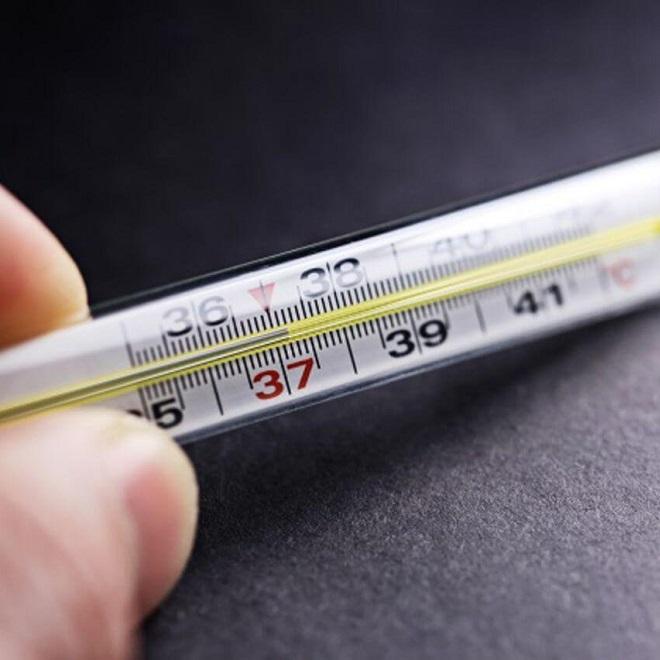 Повышенная температура - один из симптомов токсоплазмоза