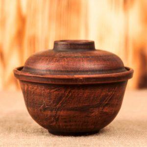 глинянный горшок тёмный для запекания