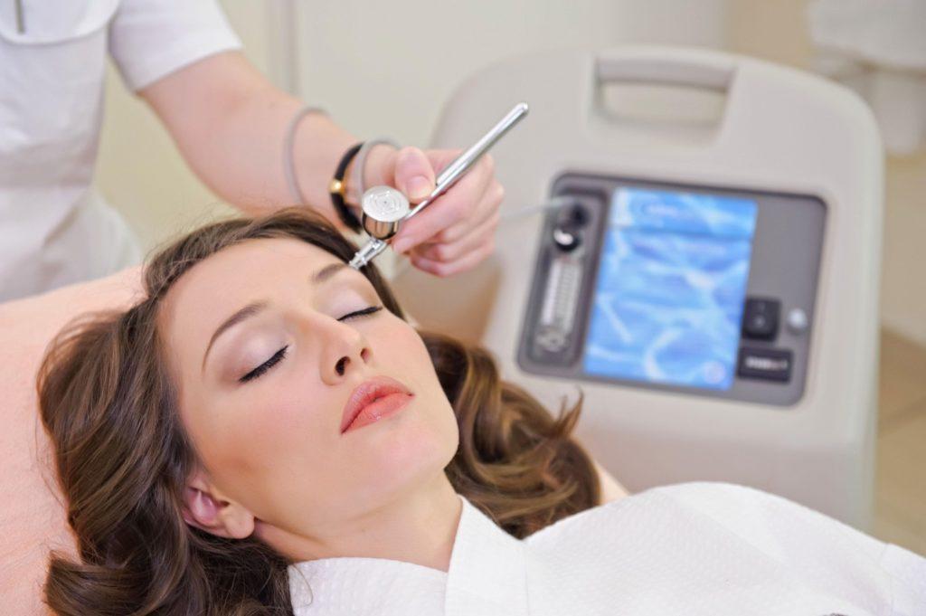 Кислородная мезотерапия лица – безболезненный и эффективный метод омоложения
