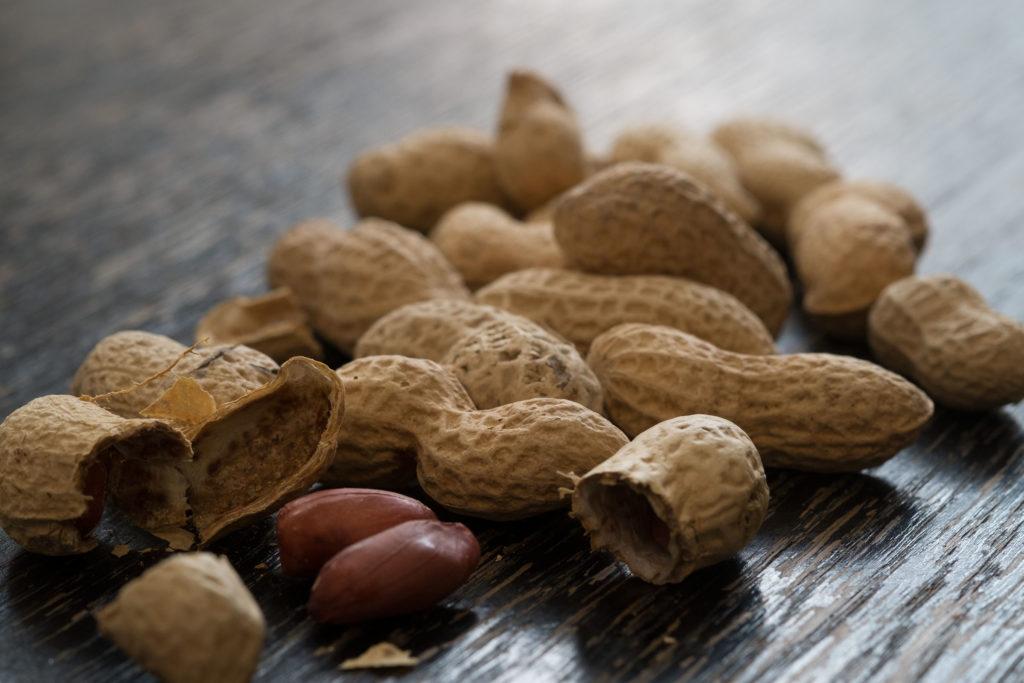 Арахис: его состав, полезные свойства, калорийность