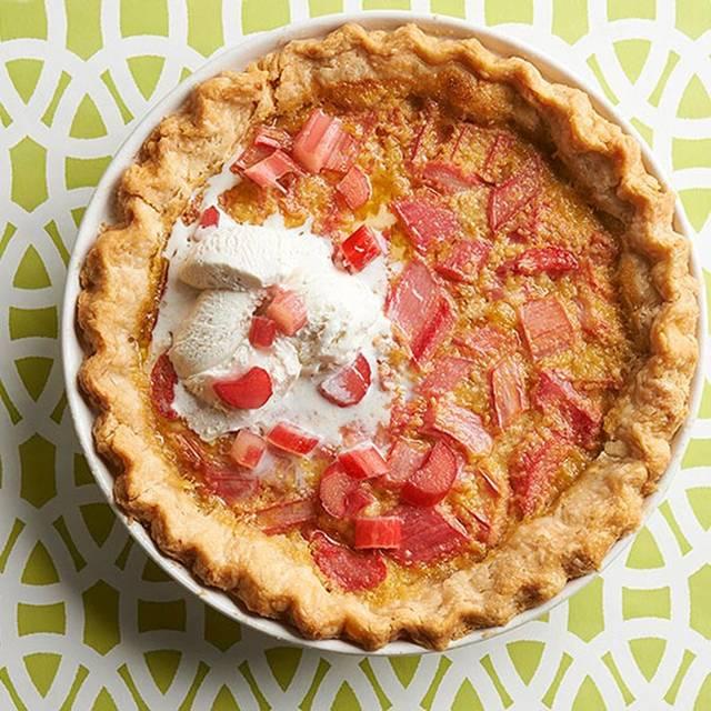 stir-rhubarb-pie