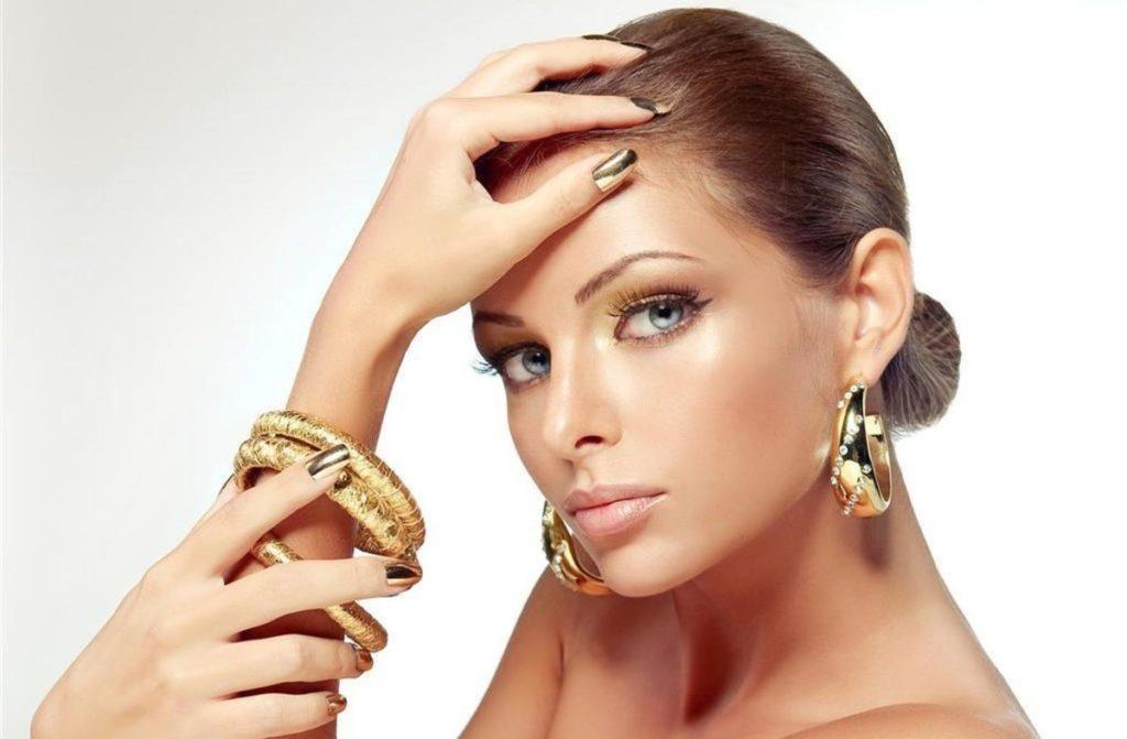 крупные золотые серьги из желтого золота с бриллиантами