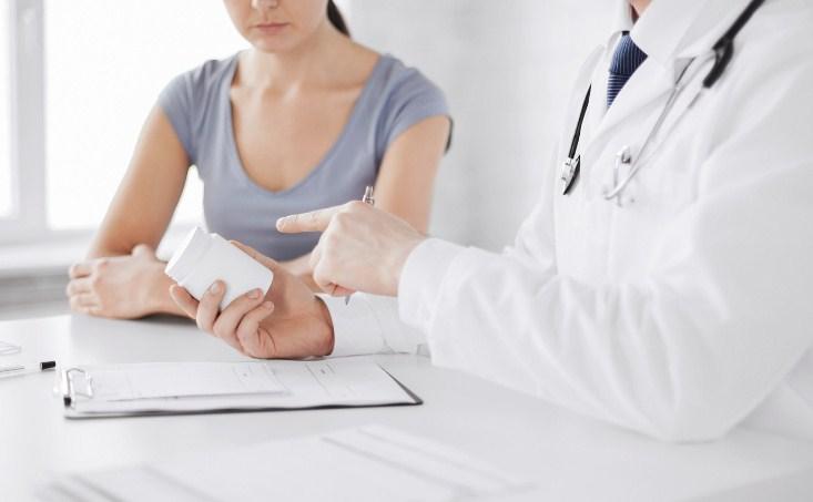 врач применяет комплексное лечение