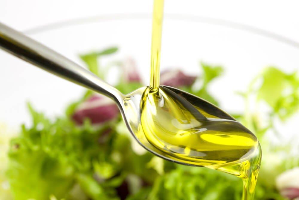 Какое растительное масло выбрать при похудении?